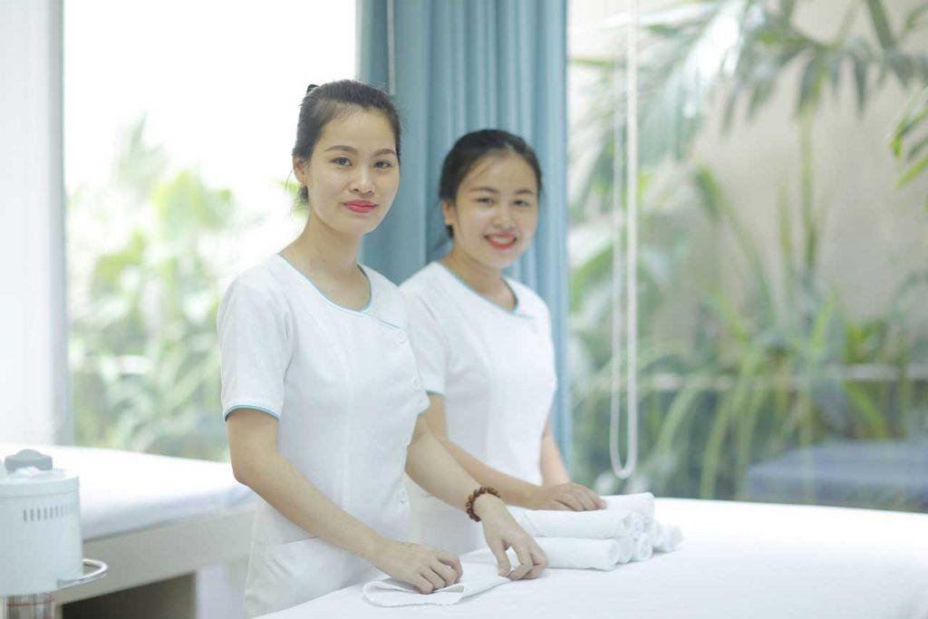 Điều trị sẹo mụn với đội ngũ y tế giàu kinh nghiệm và tận tâm