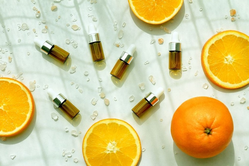 Vitamin C, one of the 4 important and indispensable components for aging prevention and skin rejuvenation