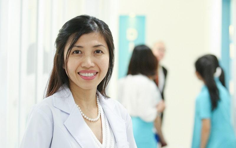 bác sĩ da liễu Hun kim Thảo tại grace skincare clinic